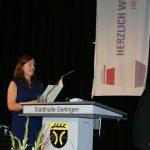 Claudia Rugart vom RP Stuttgart entpflichtet den Schulleiter...